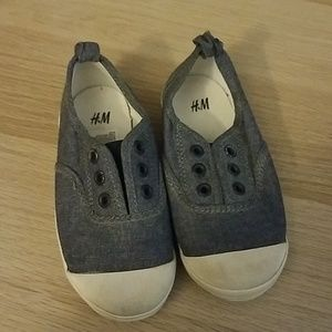 H&M slip on shoes